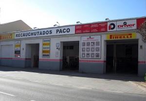 Instalaciones del taller Neumáticos Paco
